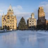 Οι 12 καλύτεροι χριστουγεννιάτικοι στολισμοί ανά τον κόσμο