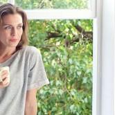 Πέντε συμπτώματα που μιλούν για την προεμμηνόπαυση