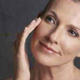 Tι συμβαίνει στο δέρμα μας κατά την εμμηνόπαυση;