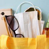 10 απαραίτητα αντικείμενα ενάντια στον κορωνοϊό που δεν πρέπει να λείπουν από την τσάντα σου