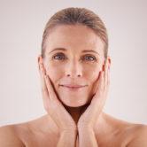 Μυστικά για να τονώσεις εκ νέου το δέρμα σου μετά την εμμηνόπαυση
